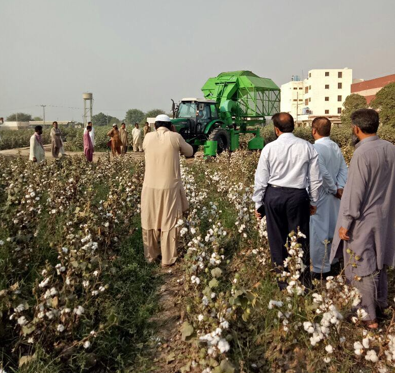 Uzbek cotton-picking equipment landed in agriculture sector of Pakistan